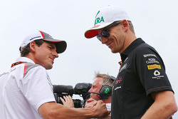 Adrian Sutil, Sauber and Nico Hulkenberg, Sahara Force India F1 en el desfile de pilotos.