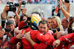 Fernando Alonso, Ferrari celebra su segundo puesto en parc ferme