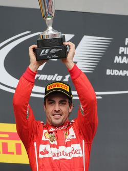 Fernando Alonso, Ferrari celebra su segundo puesto en el podio