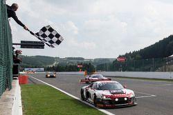 Vencedor corrida #1 Belgian Audi Club Team WRT Audi R8 LMS ultra: René Rast, Laurens Vanthoor, Marku