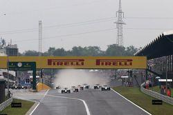 Start of the Race Nico Rosberg, Mercedes AMG F1 Team