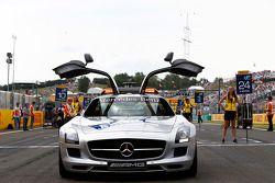 Güvenlik aracı gridde Photo: Sam Bloxham/GP2 Serisi Media Servisi. ref: Digital Image _SBL8822