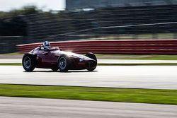 #22 Maserati 250F CM7: Allan Miles