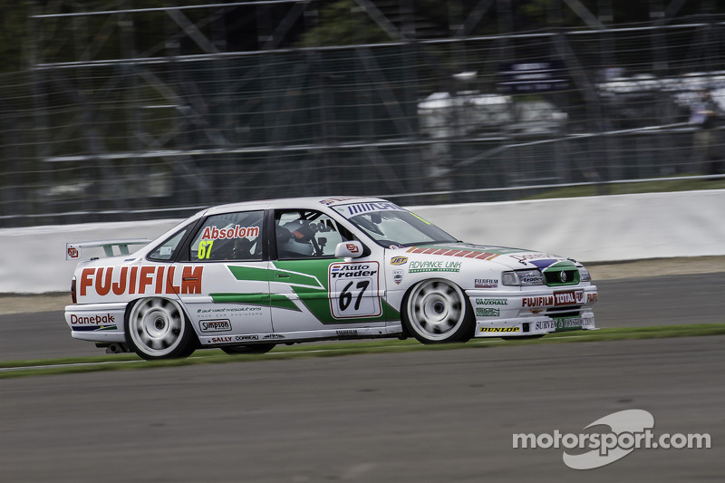 #67 Vauxhall Cavalier: Tony Absolom