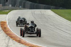 #34 1934 Chevrolet Indy:Tony Parella