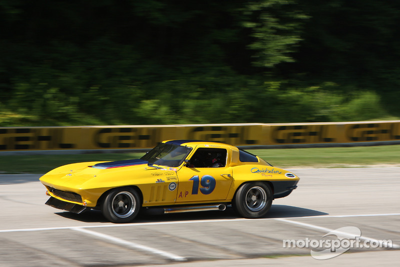 19 1966 Corvette: Ray Mulacek at The Hawk