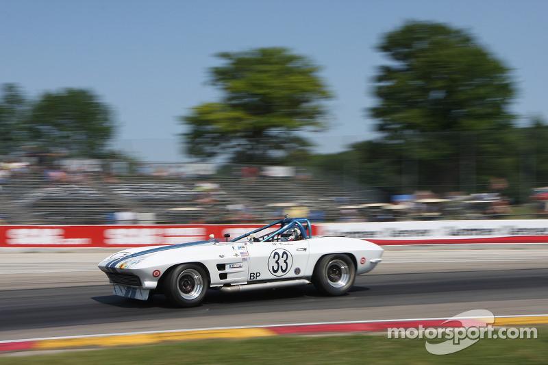 #33 1963 雪佛兰克尔维特: 迈克·多诺霍