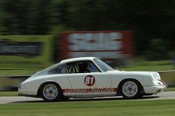#81 1967 Porsche 911S: Nicolas Clemence