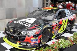 Race winner Jeff Gordon, Hendrick Motorsports Chevrolet