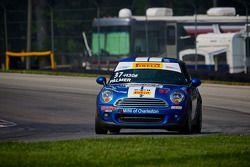 #37 MINI du Charleston Racing Mini Cooper: Tyler Palmer