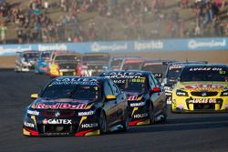 Départ : Jamie Whincup, Red Bull Holden