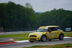 #24 4R Motorsports Mini Cooper: Tom Noble