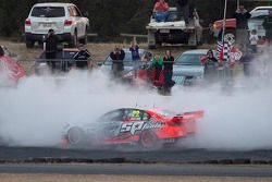 Kazanan James Courtney, Holden Racing Takımı