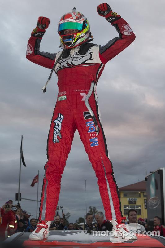 Vincitore James Courtney, Holden Racing Team
