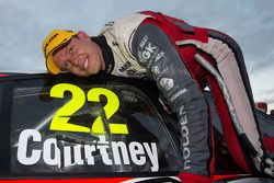 Vincitore James Courtney, Holden Racing Team