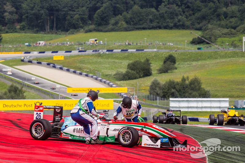 Dennis van De Laar, Prema Powerteam Dallara F312 Mercedes retires