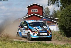 Sander Parn e James Morgan, Ford Fiesta R2