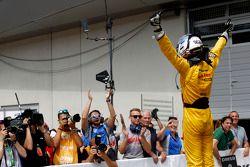 Il vincitore della gara Tom Blomqvist al volante della Dallara F312 Volkswagen del team Jagonya Ayam with Carlin
