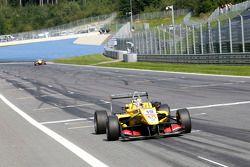 Antonio Giovinazzi, Jagonya Ayam with Carlin Dallara F312 Volkswagen takes the win