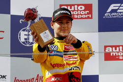 ikinci sıra Tom Blomqvist