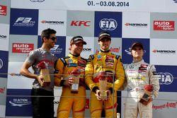 Podium: winner Antonio Giovinazzi, second place Tom Blomqvist, third place Lucas Auer