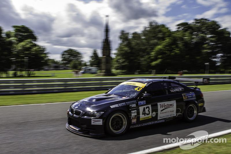 #43 Intersport Racing 宝马 E92 V8: 安娜·瓦莱夫斯卡, 凯文·克拉克