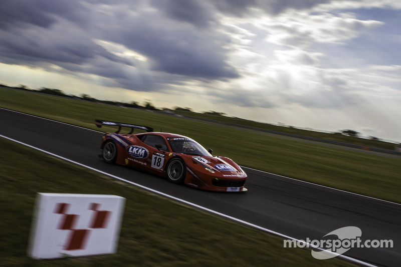 #18 FF Corse 法拉利 458 Itallia GT3: 加里·伊斯特伍德, 亚当·卡罗尔