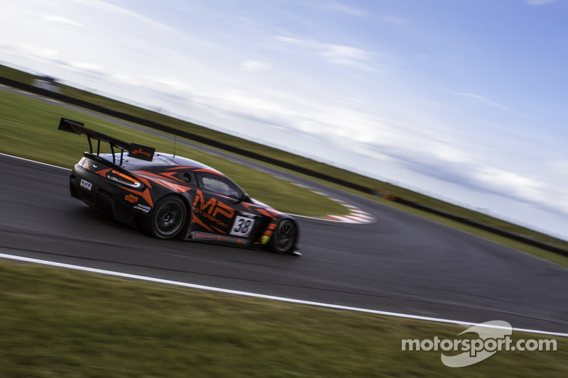 #38 MP Motorsport AMR 阿斯顿马丁 Vantage GT3: 马克·普尔, 理查德·阿布拉