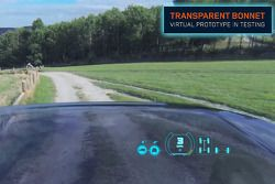 Capot moteur transparent du Land Rover
