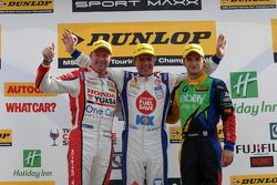 比赛获胜者 Jason Plato, 第二名 Colin Turkington, 第三名 Gordon Shedden