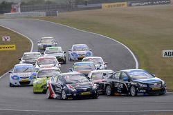 Aiden Moffat, Laser Tools Racing e Glynn Geddie, United Autosports