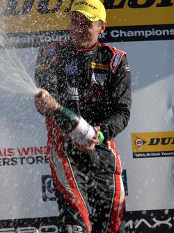 Racewinnaar Aron Smith