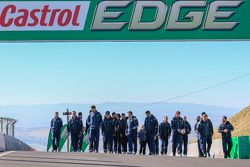 Qantas Wallabies ve Bathurst 1000 Kazanan Mark Winterbottom ve Russell Ingall, Castrol EDGE Rugby Şa