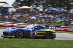 驾驶SRT眼镜蛇GT3R的丹·诺克斯