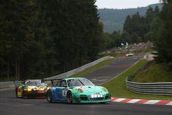 #4 Falken Motorsports 保时捷 911 GT3 R: 亚历山大·因佩拉托里, 马丁·雷齐格