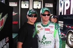 Kyle Taraska ve Dale Earnhardt Jr.