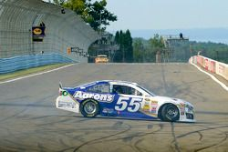 Trouble for Brian Vickers, Michael Waltrip Racing Toyota