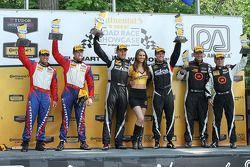领奖台:比赛获胜者 Lawson Aschenbach, Eric Curran, 第二名 Robin Liddell, Andrew Davis, 第三名 Ray Mason, Pierre Kle
