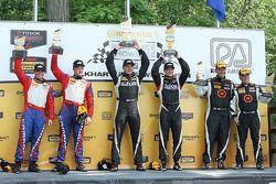 Podium: racewinnaars Lawson Aschenbach, Eric Curran, tweede plaats Robin Liddell, Andrew Davis, derde plaats Ray Mason, Pierre Kleinubing