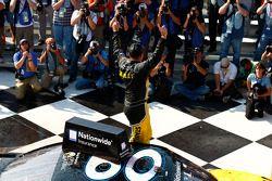 Il vincitore della gara: Marcos Ambrose