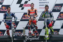 Pódio: vencedor da corrida Marc Marquez, o segundo lugar Jorge Lorenzo, o terceiro lugar Valentino R