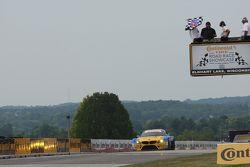 #94 Turner Motorsport 宝马 Z4: 达内·卡梅隆, 马库斯·帕尔塔拉 获得组别冠军