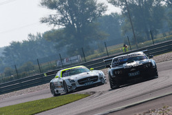 #24 Reiter Engineering Chevrolet Camaro GT: Albert von Thurn und Taxis, Tomas Enge