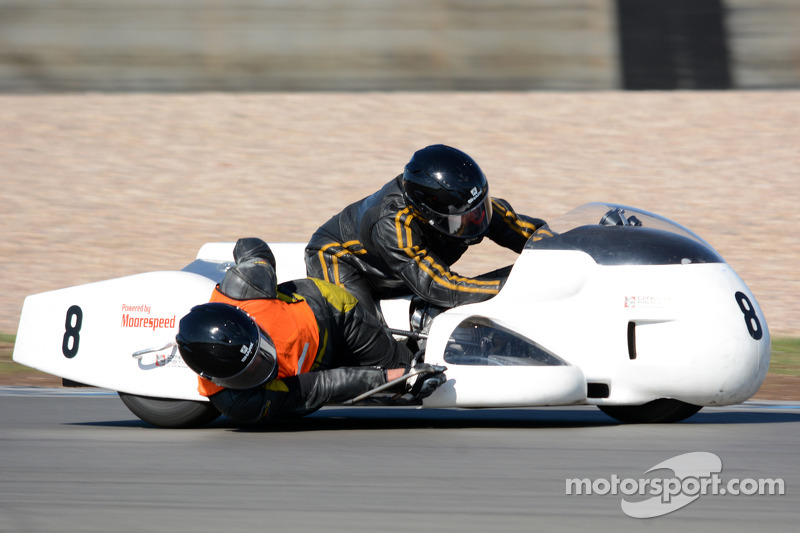 乔恩·伯金斯和伊恩·尼科尔斯,宝马Moorespeed  1070cc