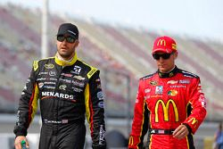 Paul Menard, Richard Childress Racing Chevrolet et Jamie McMurray, Ganassi Racing Chevrolet