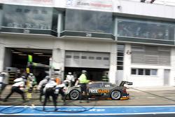 Arrêt au stand : Robert Wickens, Mercedes AMG DTM-Team HWA DTM Mercedes AMG C-Coupé