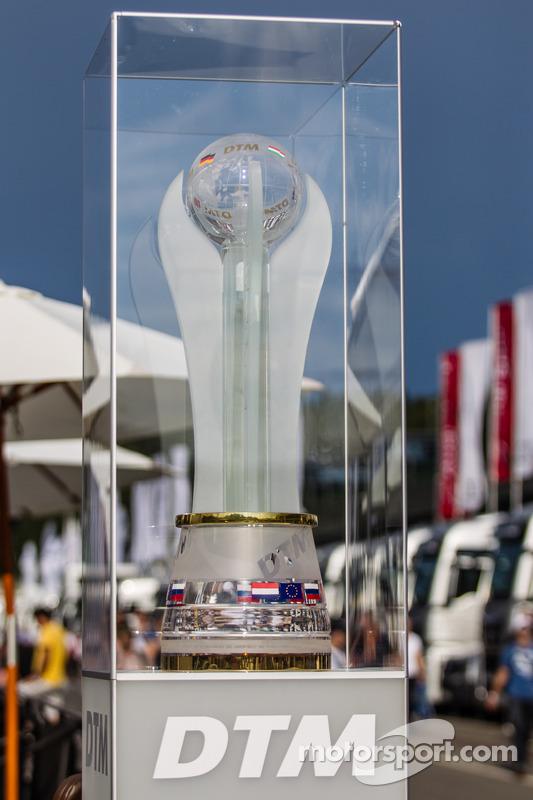 Il trofeo campionato DTM