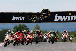起步: Andrea Iannone, Pramac Ducati ,领先
