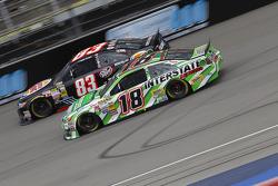 Ryan Truex, BK Racing Toyota et Kyle Busch, Joe Gibbs Racing Toyota