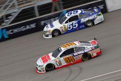Brian Vickers, Michael Waltrip Racing Toyota and Dale Earnhardt Jr., Hendrick Motorsports Chevrolet